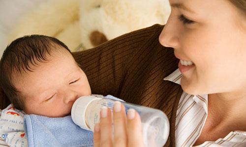 Sữa mẹ là tốt nhất cho sựu phát triển của trẻ sơ sinh và trẻ nhỏ