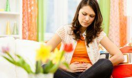 Đau bụng dưới còn dẫn đến xảy thai