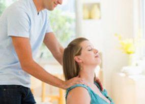 Bài tập massage giúp bà bầu vượt cạn dễ dàng hơn