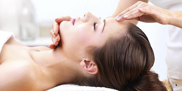 Massage cho bà bầu khiến họ dễ chịu và thoải mái hơn