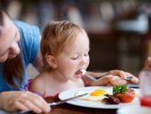Trứng là một trong những thực phẩm dinh dưỡng cho bé vô cùng tuyệt với