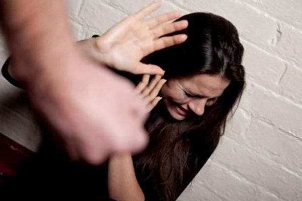 Có đáng để 'tiếc' người chồng đánh vợ dã man khi đang mang thai?