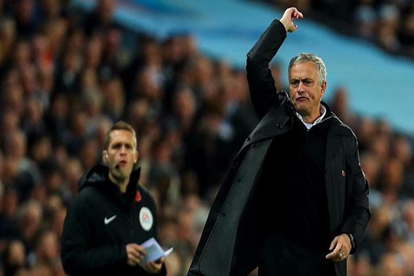 Mourinho đổ lỗi cho lịch thi đấu