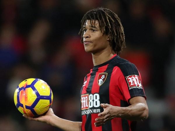 Tuyển trạch viên kêu gọi Chelsea tái kí hợp đồng với Nathan Ake