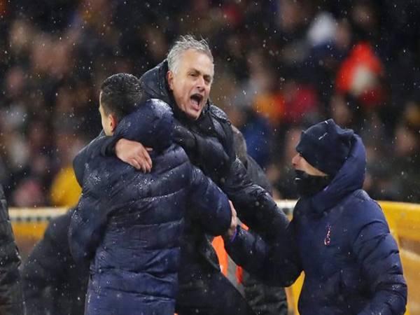 Mourinho không quên nhắc đến Man Utd và Chelsea