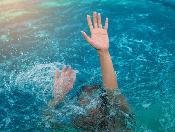 Mơ thấy người chết đuối là điềm báo gì, nên đánh con nào?