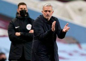 Tin bóng đá TG 29/3: Mourinho truy tìm kẻ 'đâm lén' mình