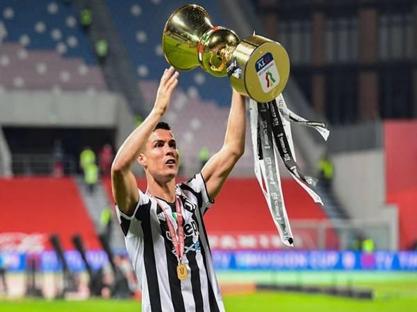 Tin bóng đá chiều 4/8: Ronaldo lần đầu tiên được trao giải Paolo Rossi
